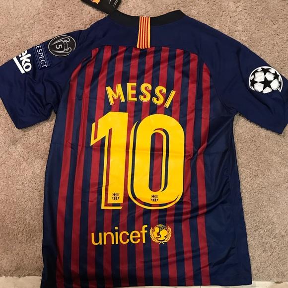 5ba3ae956 Lionel Messi FC Barcelona Home Jersey M L